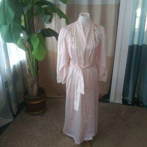 Vintage Natori Size P ( Small ) Pink Satin robe